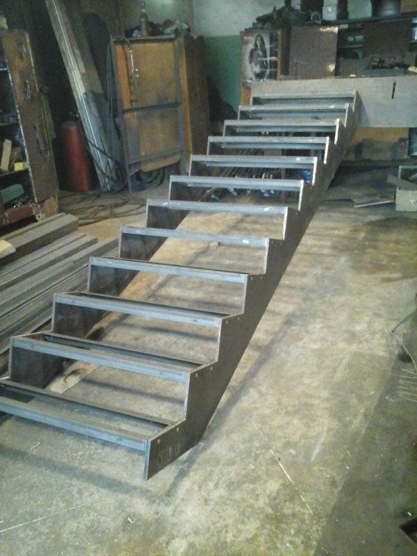 Металлическая лестница